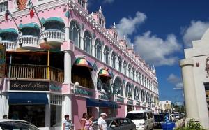 Typiska hus för Oranjestad, Aruba.